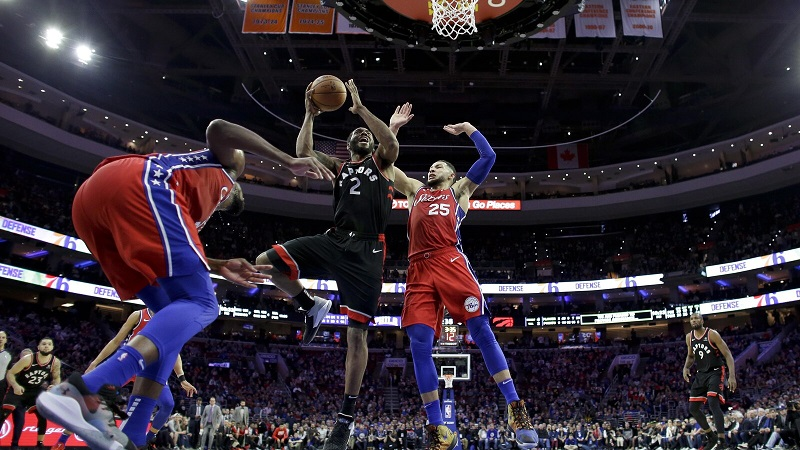 NBA : les Raptors devancent les Sixers