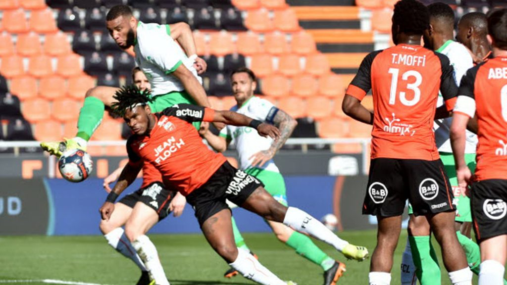 Saint-Étienne s'incline malgré le but de Moukoudi
