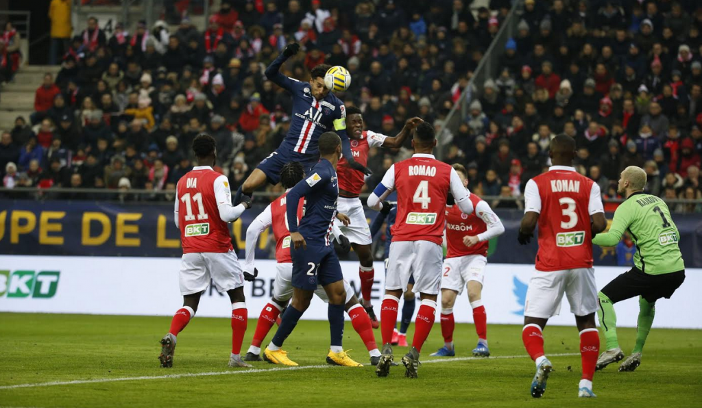 Coupe de la Ligue : le Paris Saint-Germain rejoint l'Olympique Lyonnais en finale